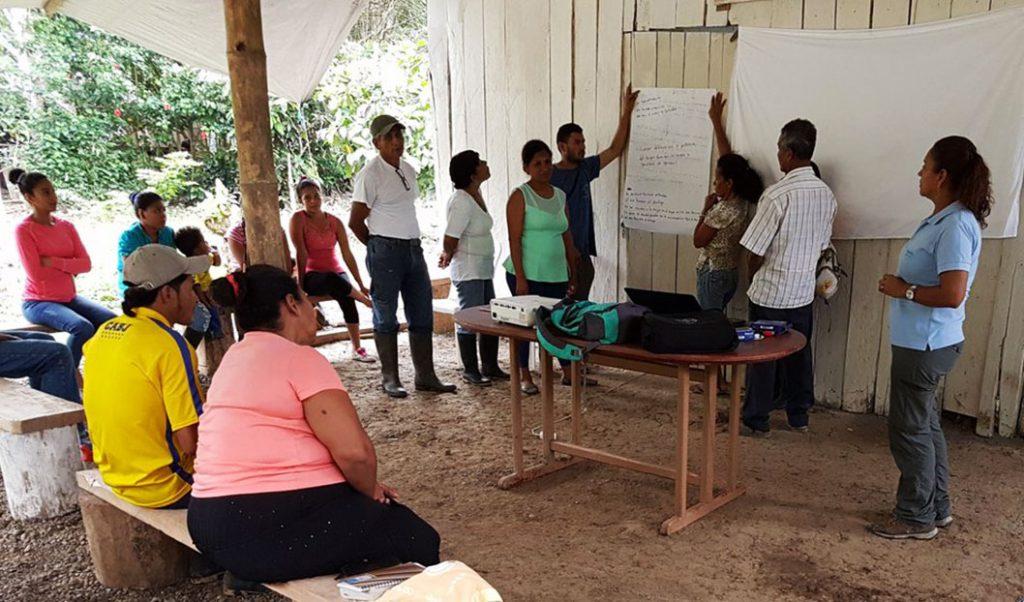 Esmeraldas: Se promueve planes para reducción de brechas de género